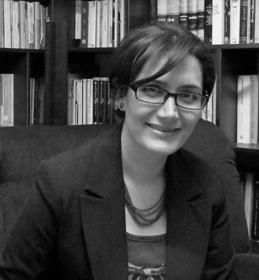 podium parsagon born in 1980 in mashhad elli dehnavi is a writer editor and literary translator who also does academic research on middle eastern cinema and literature